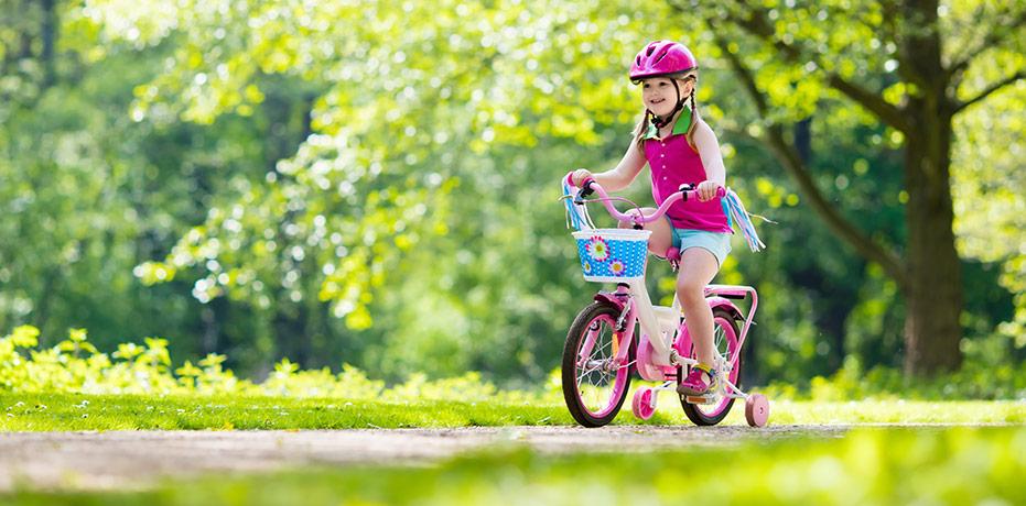 Säkerheten först – lär ditt barn cykla på ett tryggt sätt